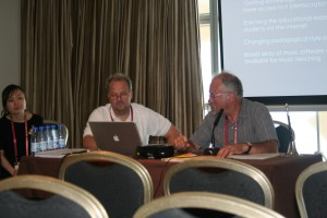 Matti Ruippo and Fred Rees discussing Distance Learning